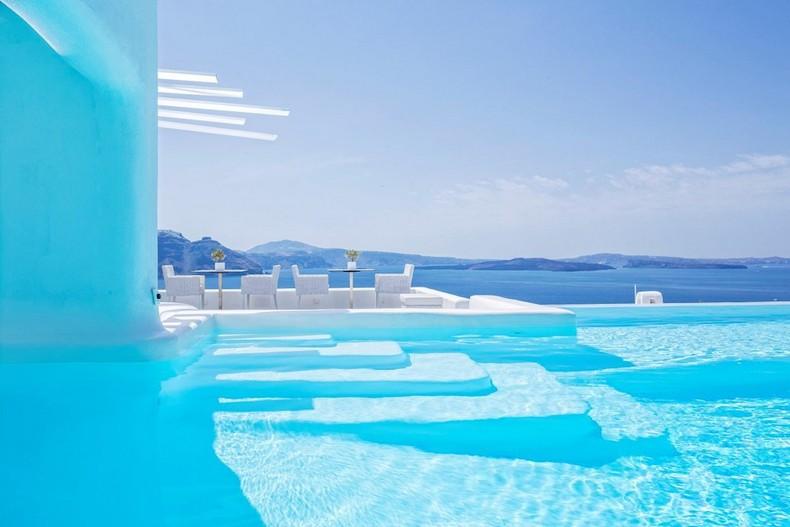 les 10 plus belles piscines de palaces ext rieurs design. Black Bedroom Furniture Sets. Home Design Ideas