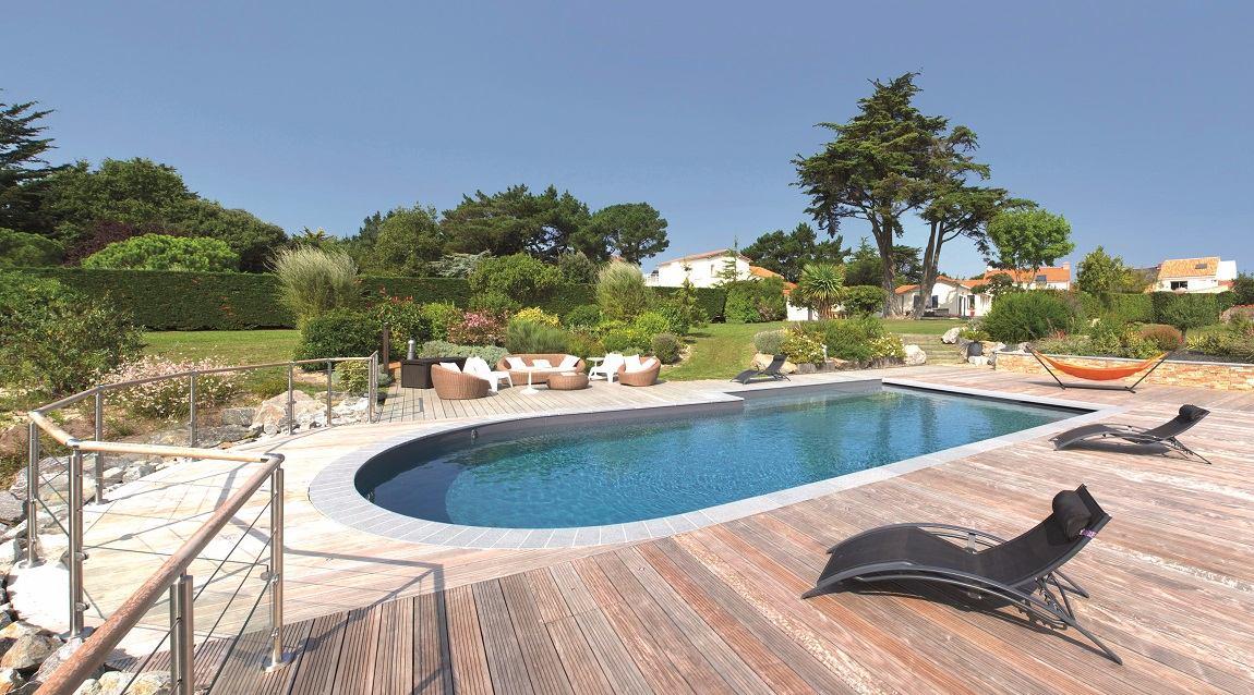 Piscines forme libre ext rieurs design for Construction piscine plage