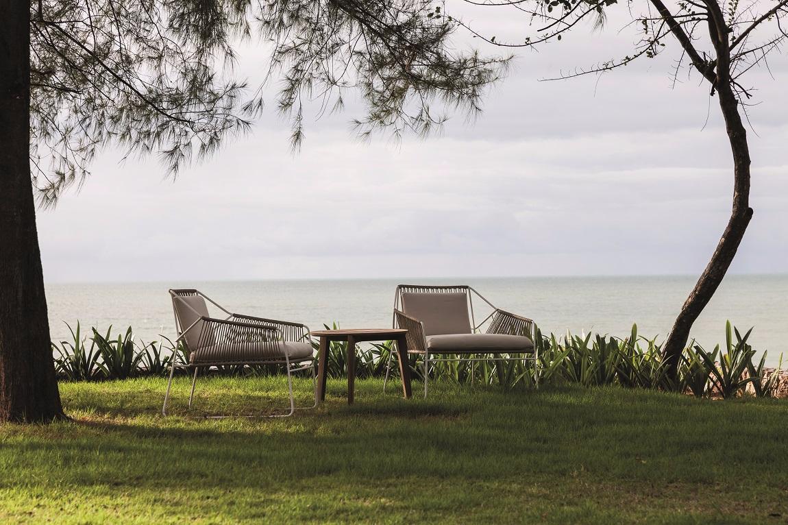 vue mer jardin fauteuils