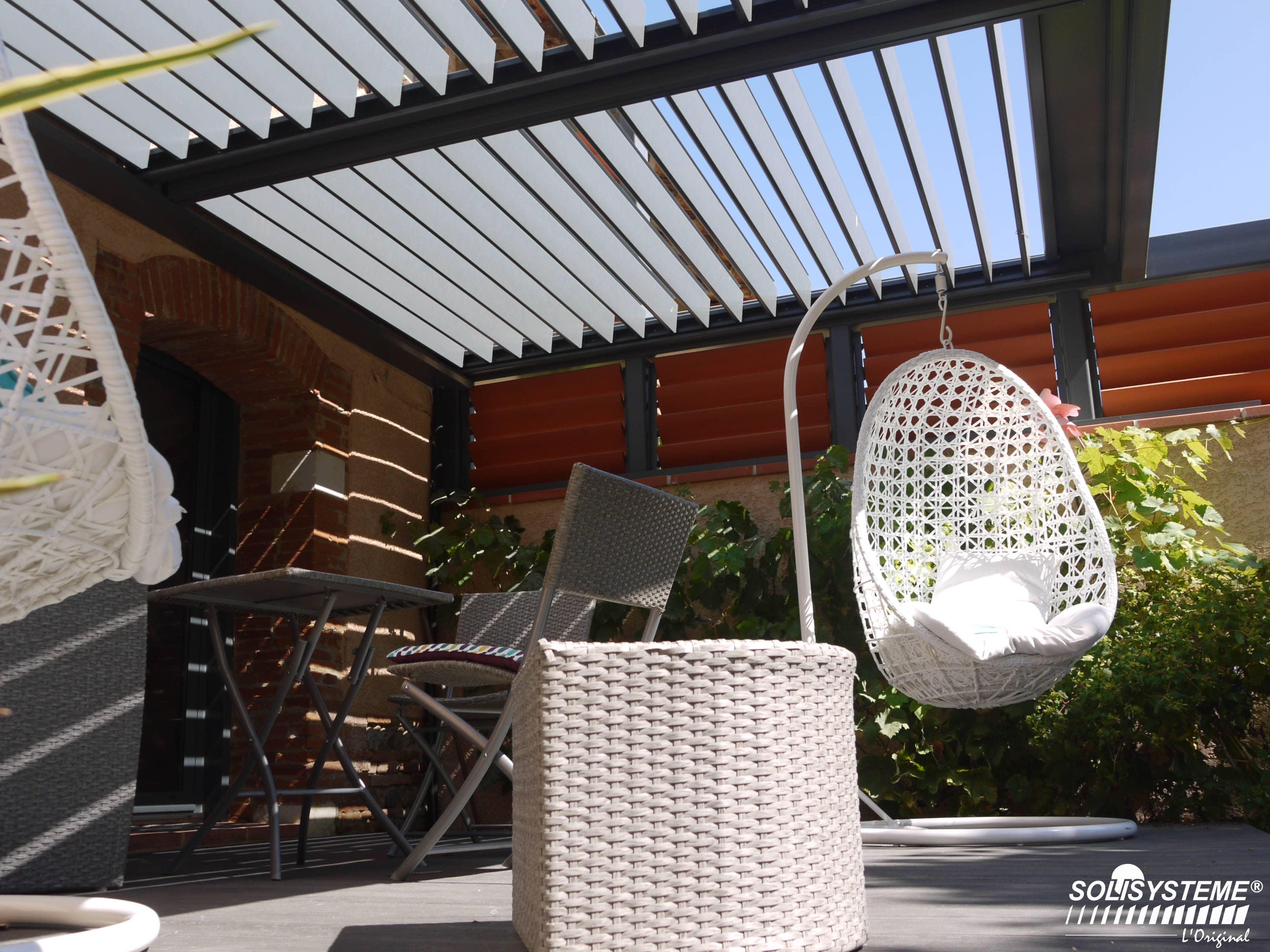 pergola bioclimatique solisysteme l innovation made in france ext rieurs design. Black Bedroom Furniture Sets. Home Design Ideas