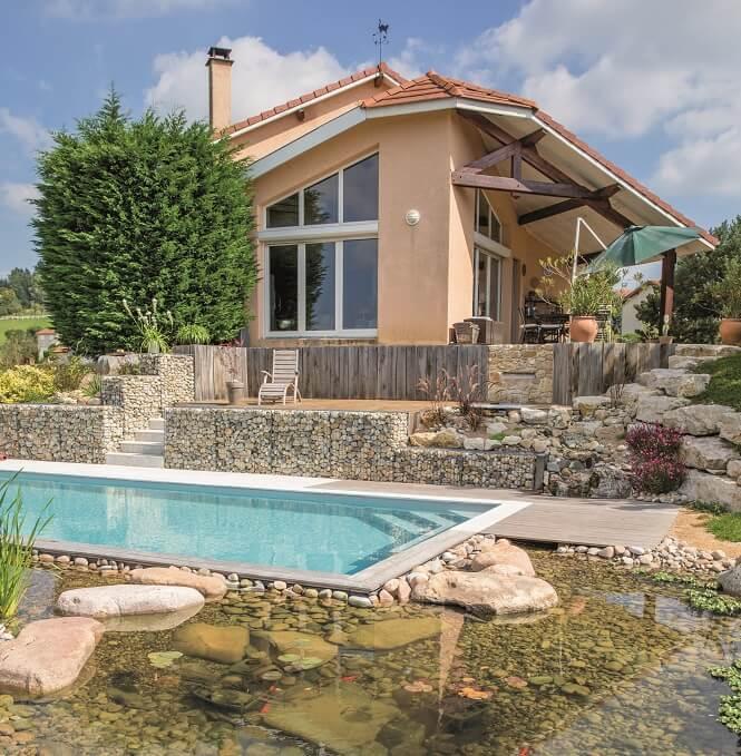 des piscines bien int gr es au jardin ext rieurs design. Black Bedroom Furniture Sets. Home Design Ideas