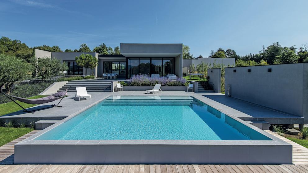 Piscine carnet d 39 inspiration ext rieurs design - Piscine style bassin pierre argenteuil ...