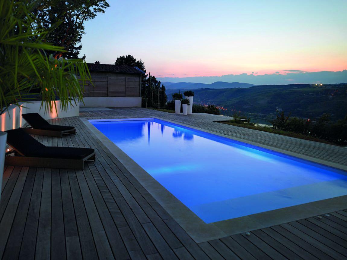 Eclairage Led Autour Piscine piscine éclairée : bain de minuit - extérieurs design