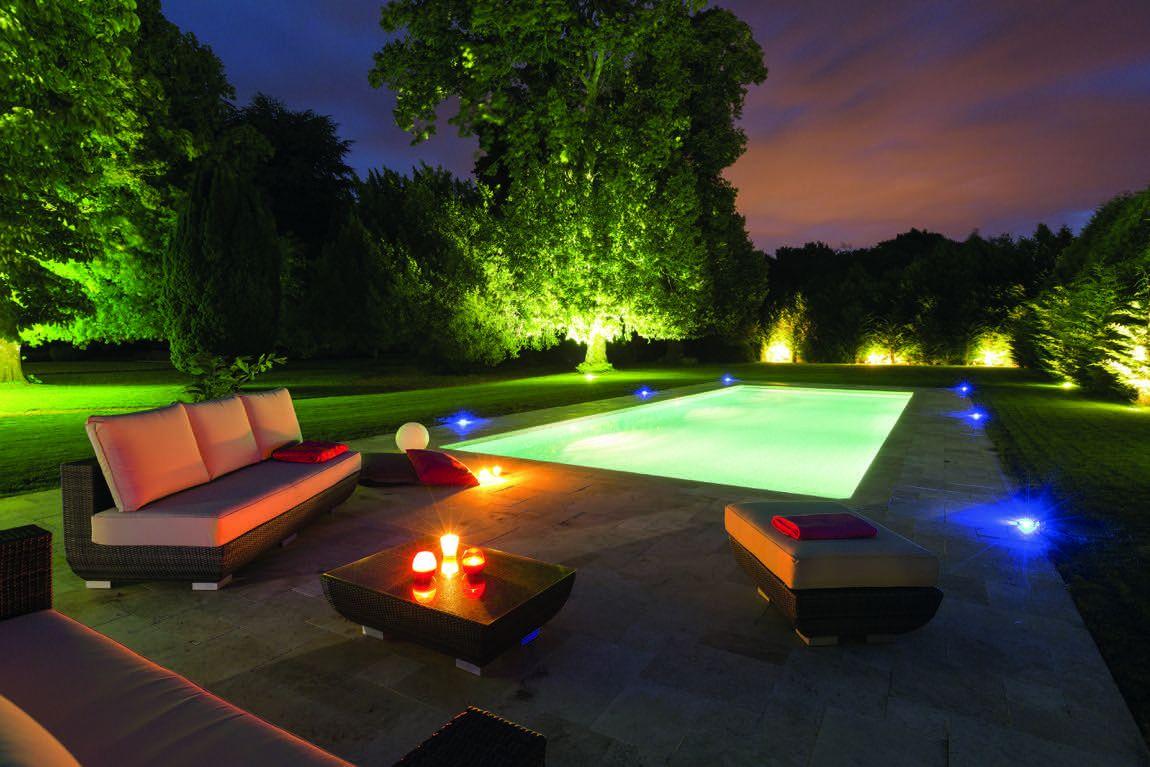piscine de luxe avec Eclairage de nuit