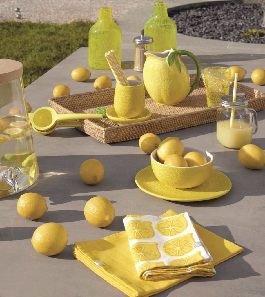 mobilier jaune déco table