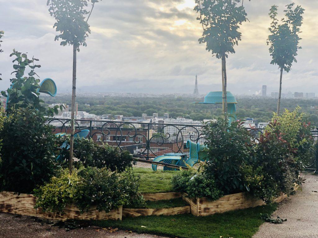 Le jardin de Florian Demon offre une vue panoramique sur le Bois de Boulogne et la capitale